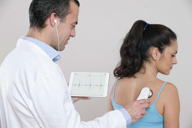 eKuore crea un fonendoscopio médico inteligente