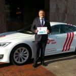 JoinUp presenta el primer taxi Tesla en España