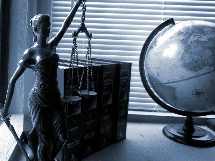 La transformación de las profesiones: abogados